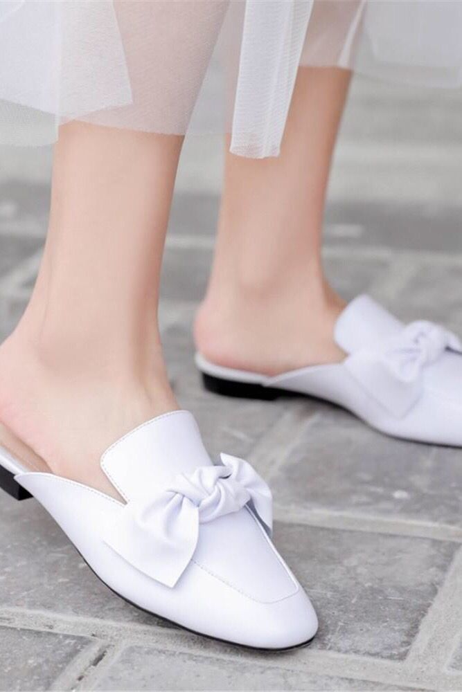 Square-Toe Shoe