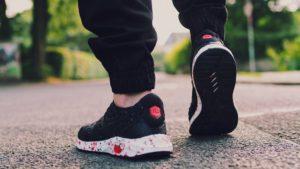 รองเท้า Sneaker