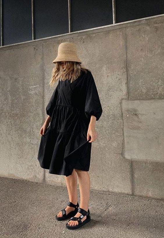 การแมทช์เสื้อผ้าโทนดำ ของสาว ๆ