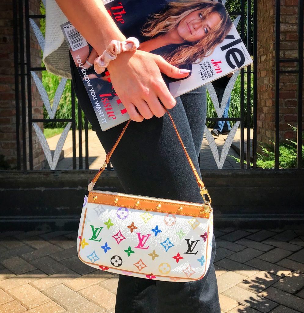 กระเป๋าสะพายไหล่สไตล์วินเทจ-Louis Vuitton Vintage White Multicolor Pochette Bag