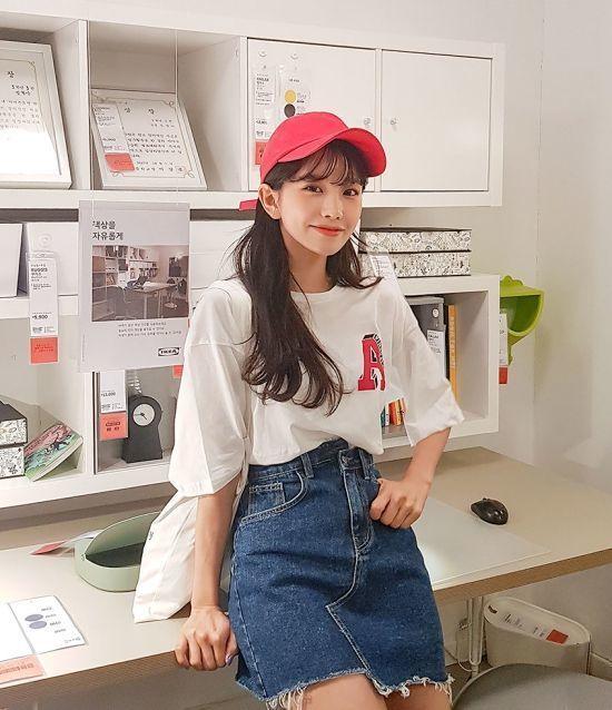 หมวกแดง การแมทช์เสื้อผ้าสีแดง